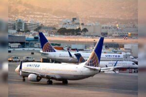 United Airlines ofrece vuelos gratuitos durante un año a los viajeros vacunados