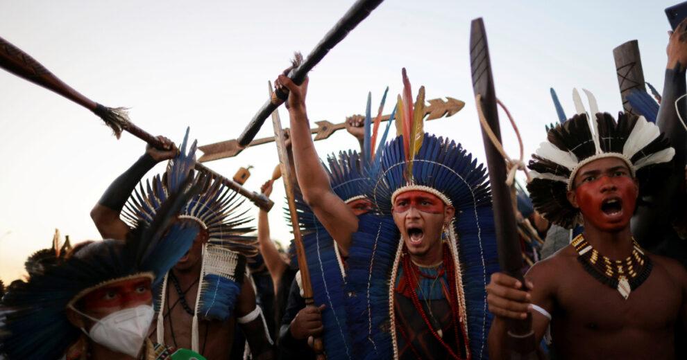 Grupo indígena de Brasil demanda a Bolsonaro en la CPI por 'genocidio'