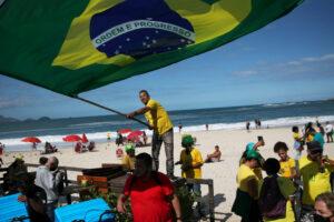 Jueces brasileños resisten los cargos de fraude electoral de Bolsonaro