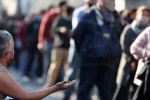 Los argentinos protestan por más empleos y alimentos en medio de la crisis económica