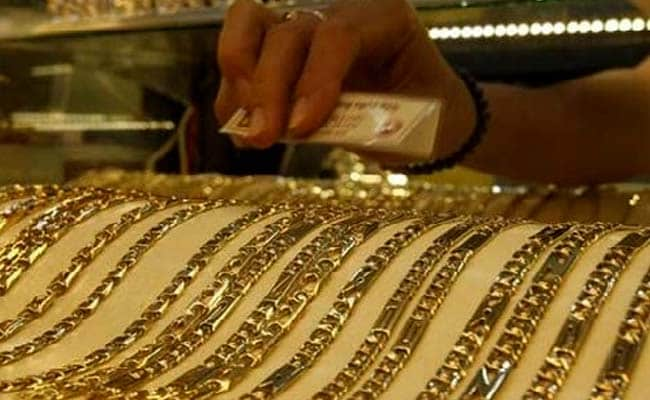 Gold Dealers Stock Up, Hope To Usher In Festive Demand