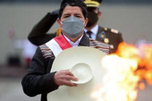 Una tumultuosa primera semana en el cargo del nuevo presidente de Perú