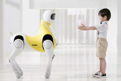 Empresa china de coches eléctricos construye robot unicornio